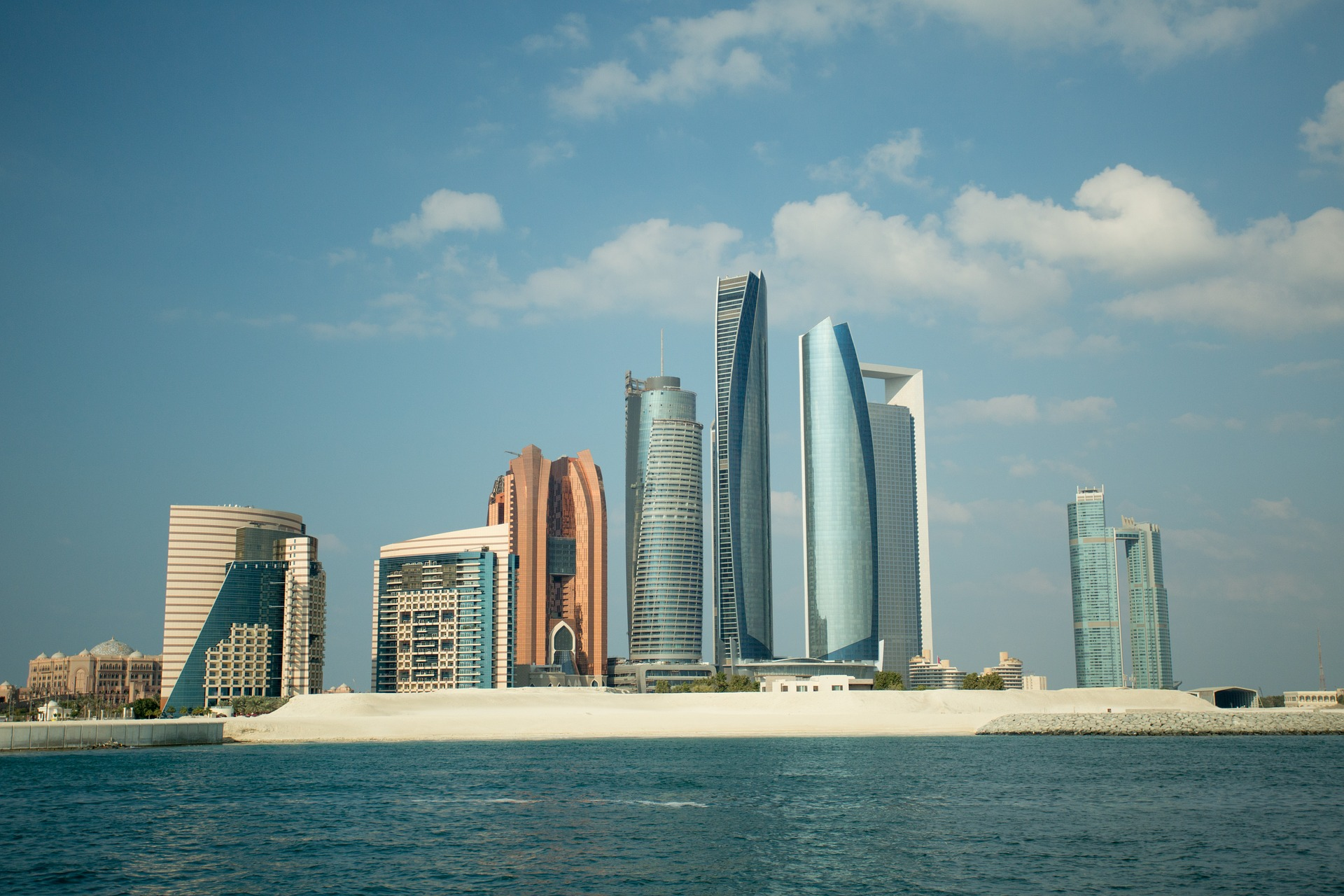 Establish your company and set up your dream business in Abu Dhabi